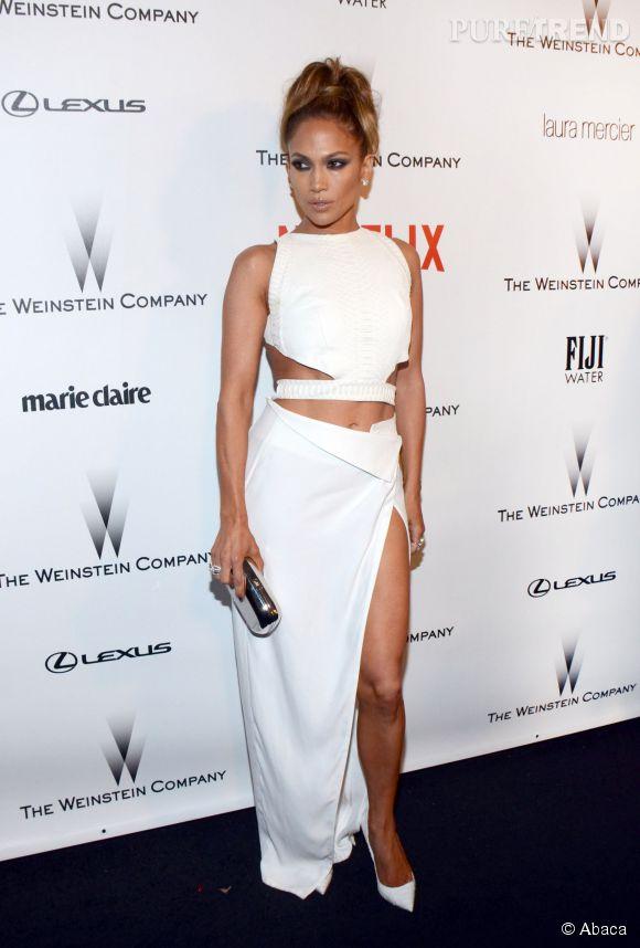 Jennifer Lopez avait misé sur une robe à découpes lors de l'after party des Golden Globes 2015