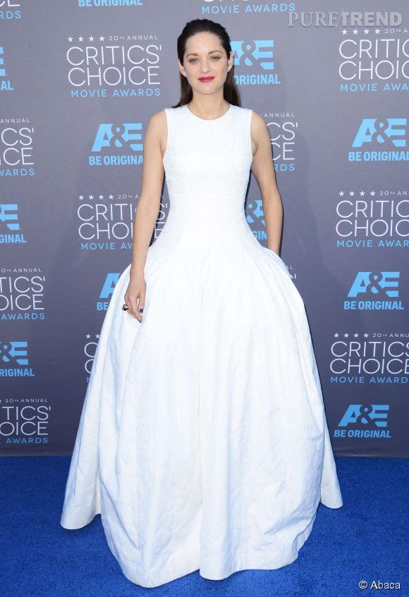 Marion Cotillard en robe blanche Dior Haute Couture aux Critics Choice Movie Awards 2015.