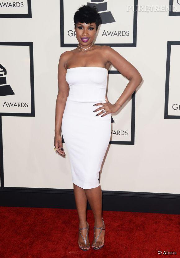 Pour la 57ème cérémonie des Grammy Awards, Jennifer Hudson avait opté pour une petite robe blanche bustier.