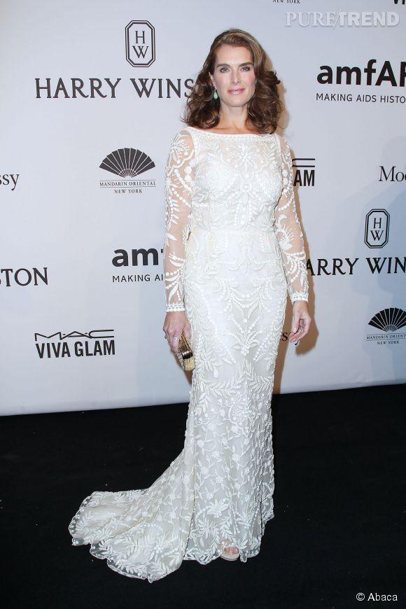 Brooke Shields en longue robe de dentelle au gala de l'amfAR Gala, le 11 janvier 2015.