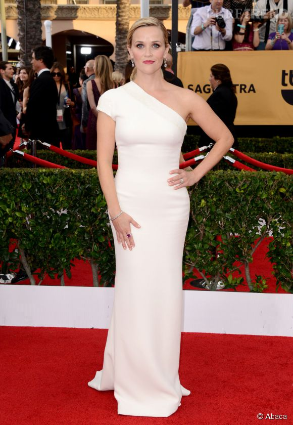 Reese Witherspoon en robe Armani aux Producers Guild Awards 2015 à Los Angeles.