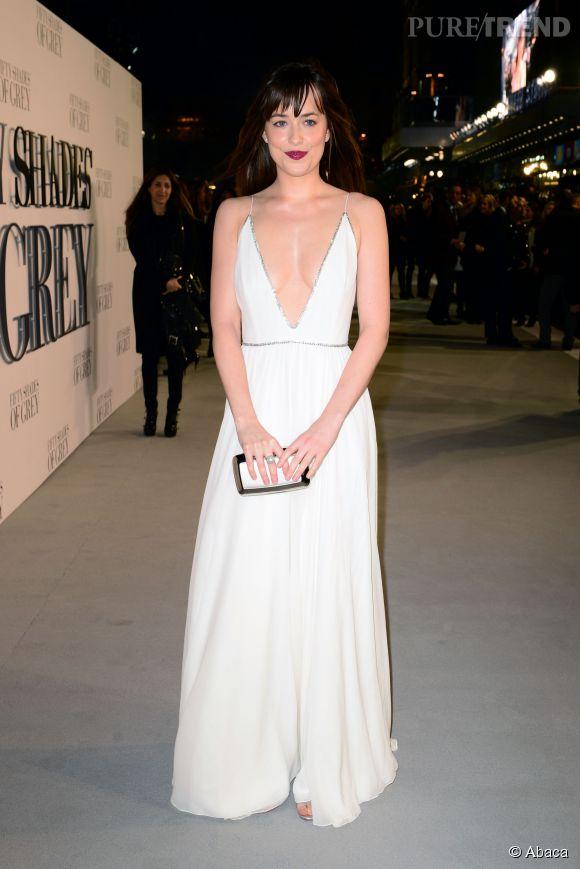 """Dakota Johnson éclipse Jamie Dornan à la première de """"50 nuances de Grey"""" à Londres le 12 février 2015."""