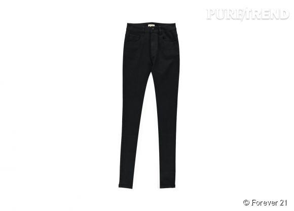 Jean skinny noir Forever 21, 17,75€.