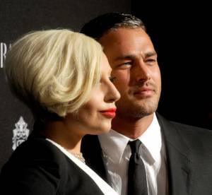 Lady Gaga fiancée à Taylor Kinney, les premières photos de la bague