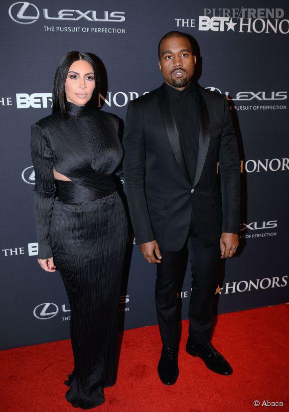 """Déjà plutôt dark aux BET Honors, Kim Kardashian et Kanye West ont réussi à faire plus inquiétant encore aux quarante ans du """"Saturday Night Live""""."""