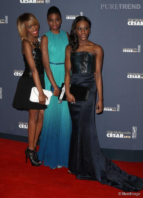 """Le trio d'actrices du film """"Bande de fille"""". Au centre, Karidja Touré, parée par Chaumet."""