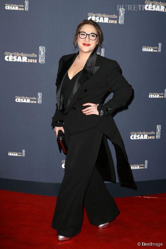 Marilou Berry était en smoking queue de pie signée Jan Paul Gaultier. Elle n'a porté que le haut de sa tenue pour remettre d'un des trophées !