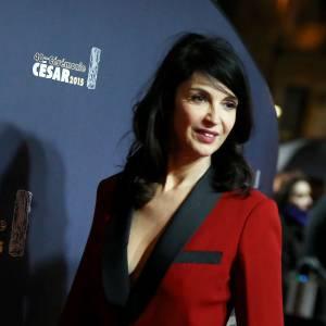 Zabou Breitman en costume rouge et noir Jean Paul Gaultier.