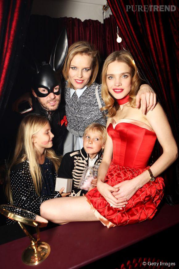 "Natalia reçoit Eva Herzigova et sa famille dans son Kissing Booth à la soirée ""First Fabulous Fund Fair""."