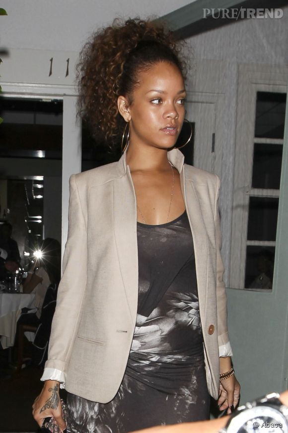 Rihanna sans maquillage, toujours aussi canon.