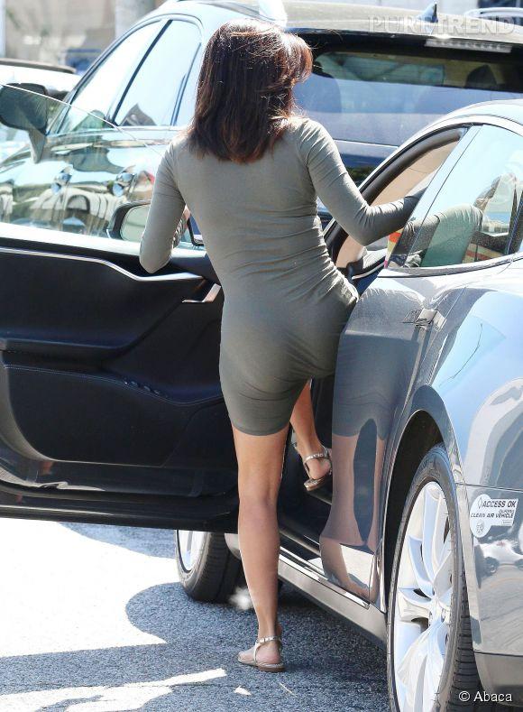 Eva Longoria adopte une robe dans le plus pur style Kardashian : ultra moulante !