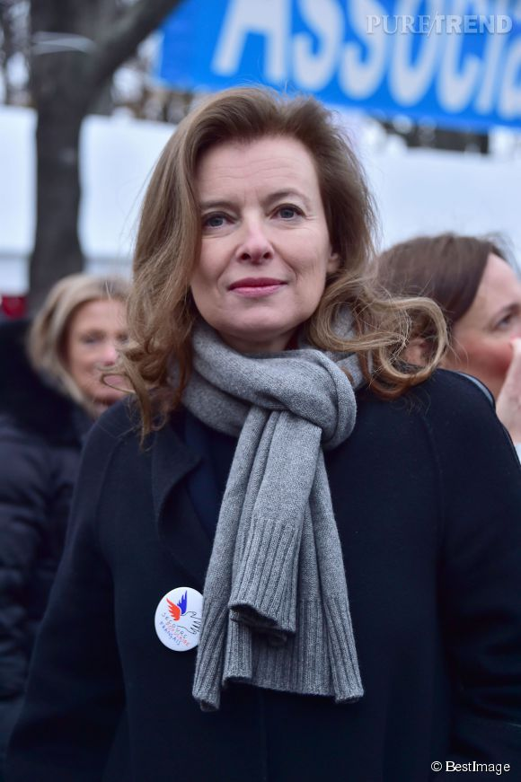 """Valérie Trierweiler aurait giflé un homme qui lui aurait demandé """"des nouvelles de François""""."""