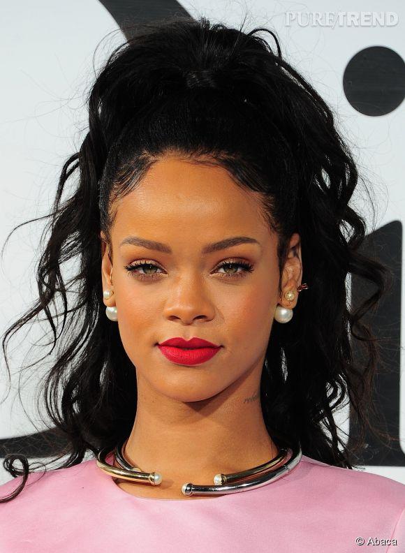 Besoin D Une Idee De Coiffure Soiree Copiez Rihanna Et Sa Demi