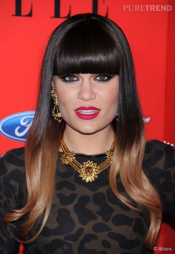 Jessie J mise sur l'effet bain de lumière du tie and dye blond !