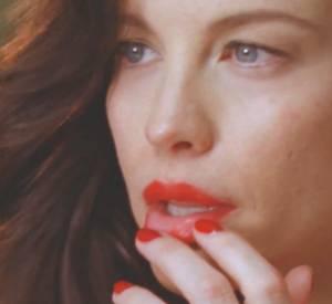"""Deuxième teaser de la nouvelle campagne de Proenza Schouler, intitulée """"Legs Are Not Doors"""" de Harley Weir avec Liv Tyler et de Chloë Sevigny."""