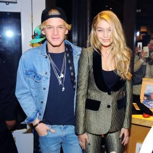 Cody Simpson et Gigi Hadid se dévoilent pour Mario Testino.