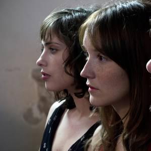 """Anaïs Demoustier, Félix Moati, Sophie Verbeeck dans """"A trois on y va""""."""