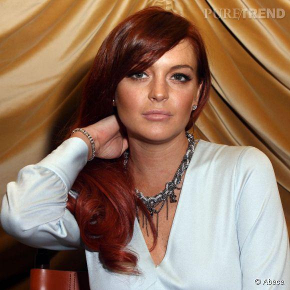 Lindsay Lohan enflamme la Toile en dévoilant un side boob ultra sexy.