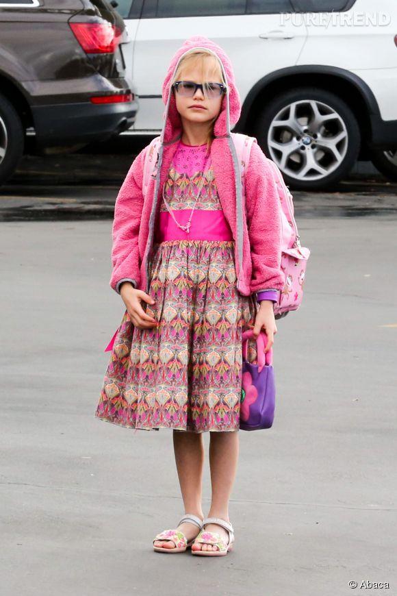 Violet Affleck porte une robe Oscar de la Renta.