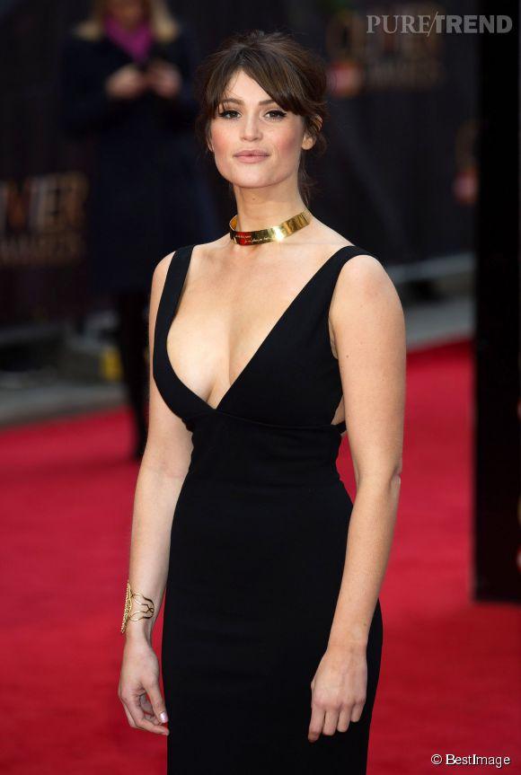 Gemma Arterton a mis le paquet pour la cérémonie des Laurence Olivier Awards à Londres, ce 12 avril 2015...