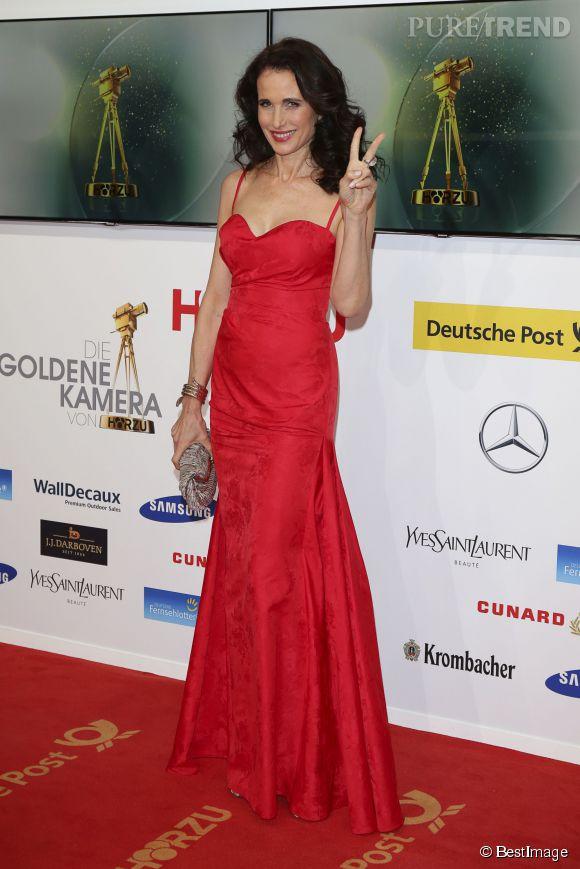 Andie MacDowell : les années passent et elle demeure toujours aussi belle. Un cliché pris l'année dernière aux Golden Camera Awards, à Berlin.