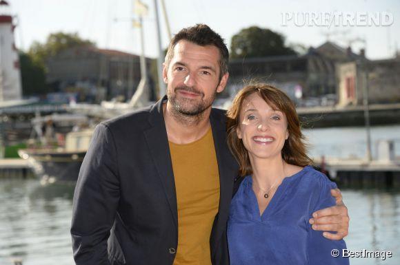 """Alix Poisson et Arnaud Ducret, un duo d'acteurs complice qui tournera bientôt la saison 3 de """"Parents mode d'emploi""""."""