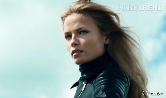 Regard de braise pour Natasha Poly dans la campagne de l'Eté 2015 d'H&M.