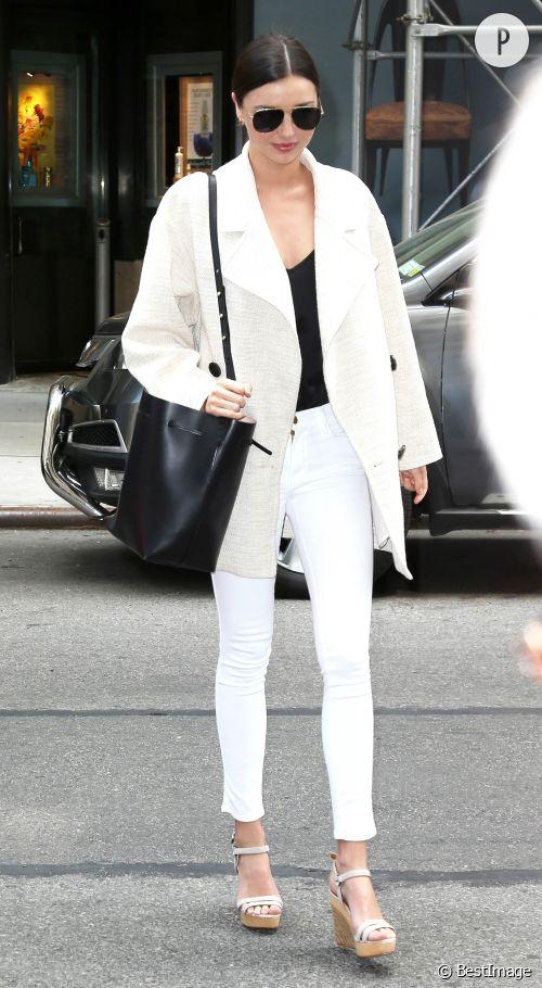Miranda Kerr, le look blanc et printanier qu'on lui piquerait bien !