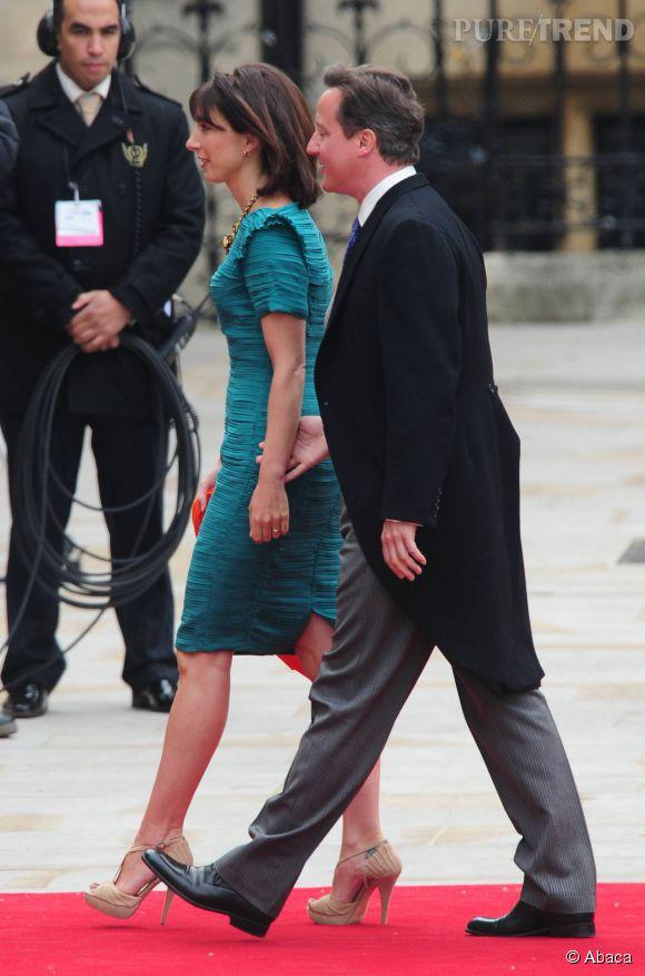 En avril 2011, le couple Cameron est parmi les prestigieux invités du mariage de Kate et William. La jolie brune opte pour une robe émeraude.