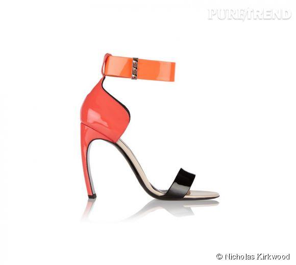 Sandales à talons Nicholas Kirkwood, 650€.