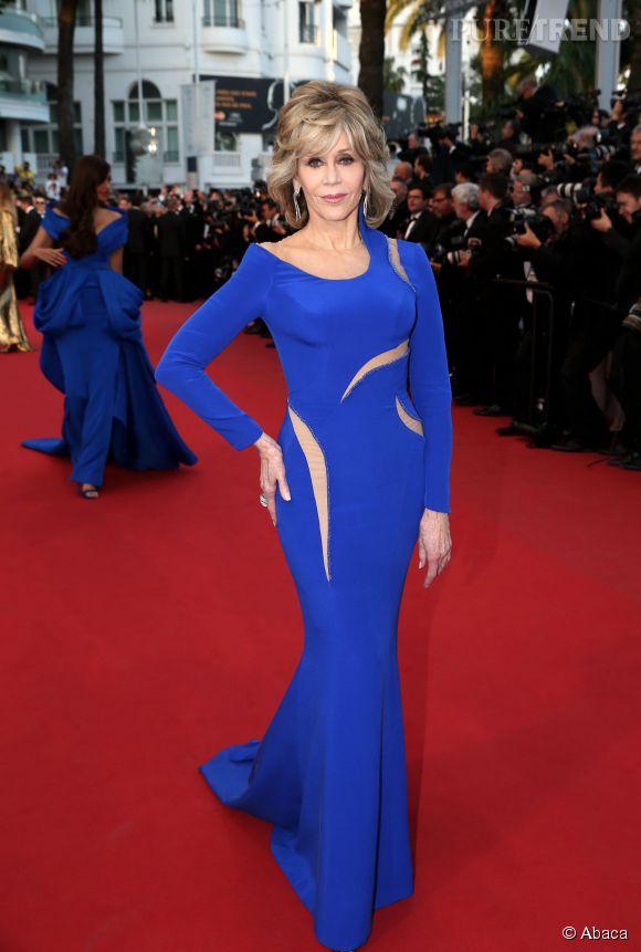 Encore plus impressionnant : Jane Fonda et ses 77 ans au compteur. Avec sa silhouette longiligne et son visage rayonnant elle en fait à peine 60!