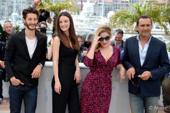 Aux côtés de Charlotte Le Bon, on retrouve également Pierre Niney et Marilou Berry.
