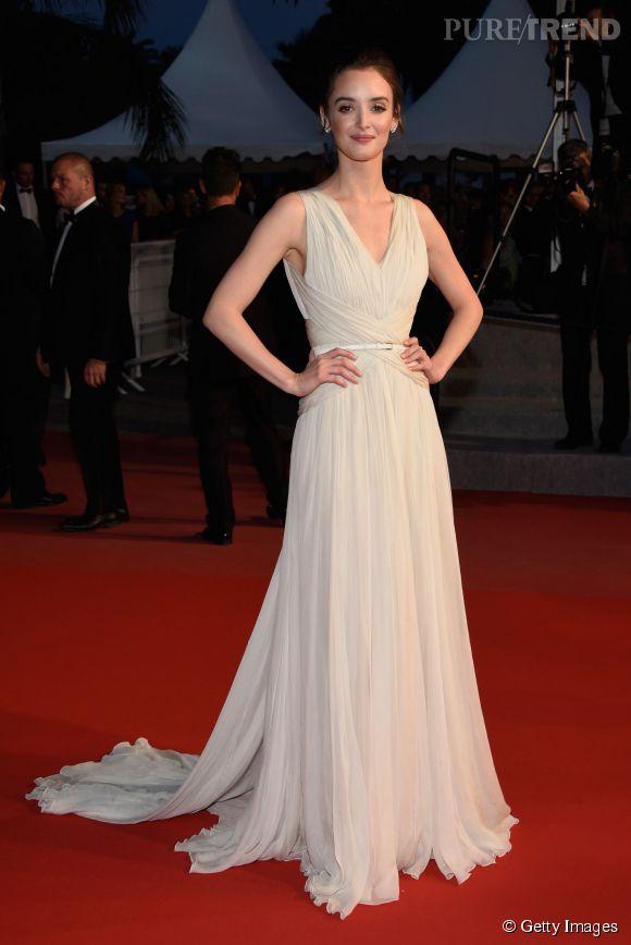 """Charlotte le Bon, virginale pour la projection du film d'animation """"Vice-Versa"""", auquel elle prête sa voix, pour ce Cannes 2015."""