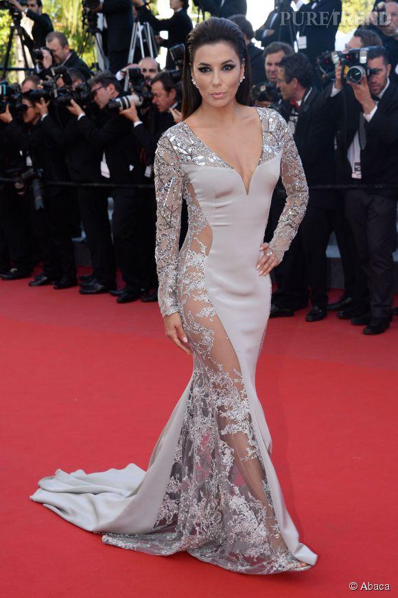 """Eva Longoria éblouissante dans une robe  Gabriela Cadena pour la montée des marches du film d'animation """"Vice-Versa"""", pour ce Cannes 2015."""