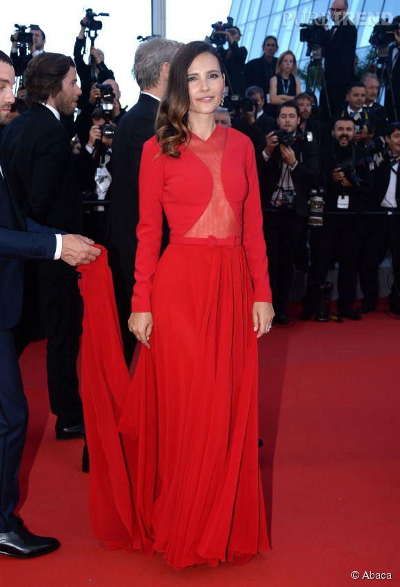 Virginie Ledoyen ultra-glamour dans une robe  Georges Hobeika et souliers Longchamp, ainsi que des boucles d'oreilles et bagues  Montblanc Princesse Grace de Monaco.