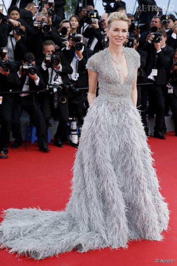 Naomi Watts, bel oiseau de nuit en Elie Saab. Une égérie L'Oréal Paris glamour à souhait.