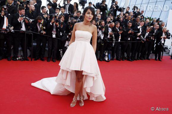 Leïla Bekhti, jolie mariée sur le tapis rouge du Festival de Cannes avec son chignon romantique.