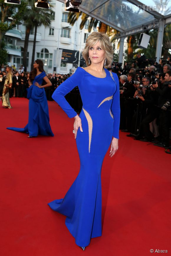 Jane Fonda, toujours aussi sculpturale pour Cannes 2015 dans une robe Atelier Versace.