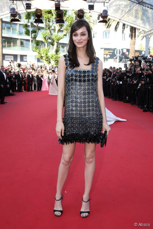 Nouvelle venue dans la team L'Oréal Paris, Luma Grothe a elle aussi foulé le tapis rouge du Festival de Cannes avec un brushing sage.