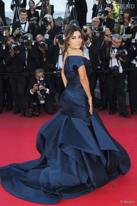 Eva Longoria nous a éblouit cette année notamment cette robe bleue Versace.