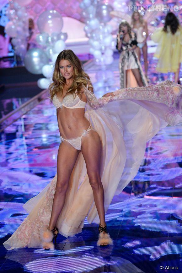 Doutzen Kroes lors du défilé Victoria's Secret 2014.