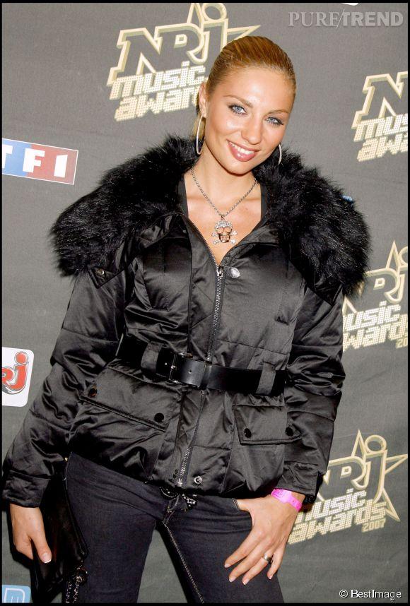 Ariane Brodier a démarré sa carrière sur le petit écran en 2002 sur  M6.