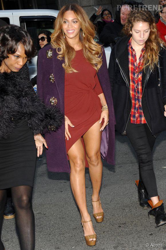 Beyoncé n'a pas peur de tout ce qui est court et fendu.
