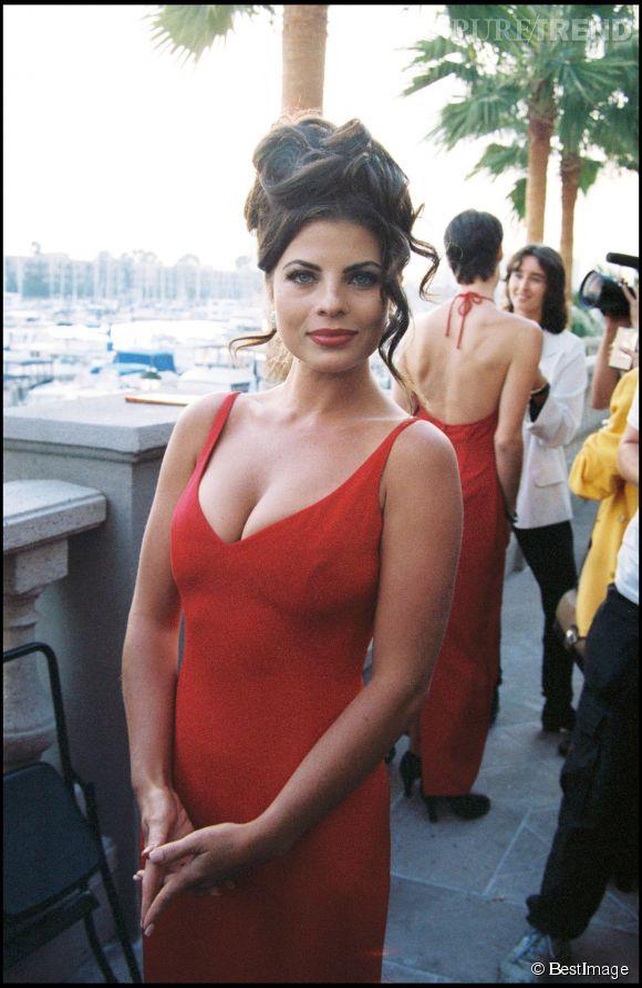 Yasmine Bleeth en 1994, en pleine heure de gloire.