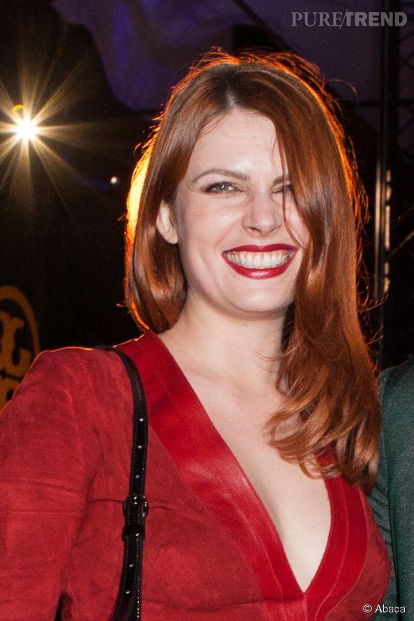 Elodie Frégé incendiaire.
