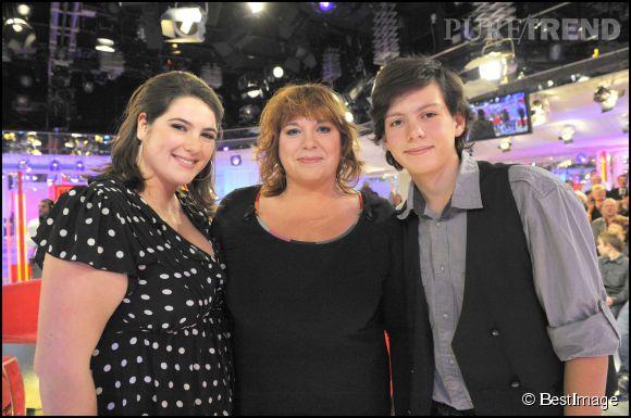 Charlotte gaccio et son petit fr re enzo avec leur maman mich le bernier en 2010 puretrend - Charlotte de turckheim et son mari ...
