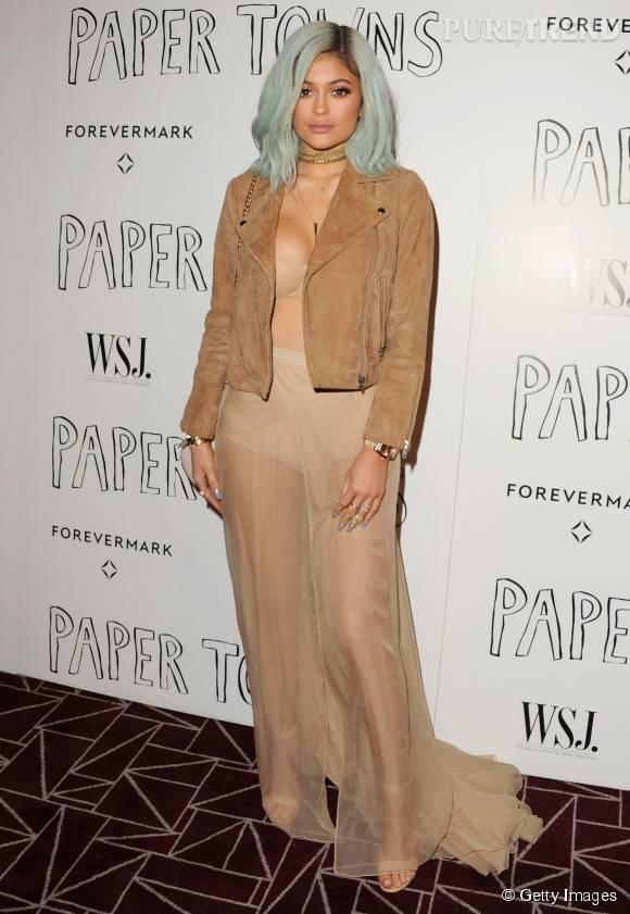 Kendall Jenner a choisi de venir très peu vêtue à la soirée cinéma de Cara Delevingne.