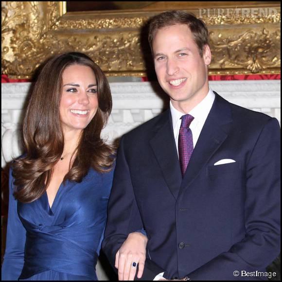 Kate Middleton et le prince William lors de l'annonce de leurs fiançailles en 2010.
