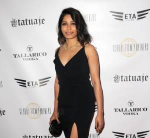 Freida Pinto : glamour et sexy à souhait en robe noire fendue, on s'inspire !
