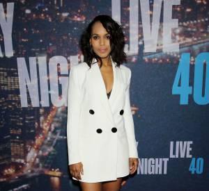 """Kerry Washington et le blazer court au décolleté très sexy pour le """"Saturday Night Live"""" en février 2015."""
